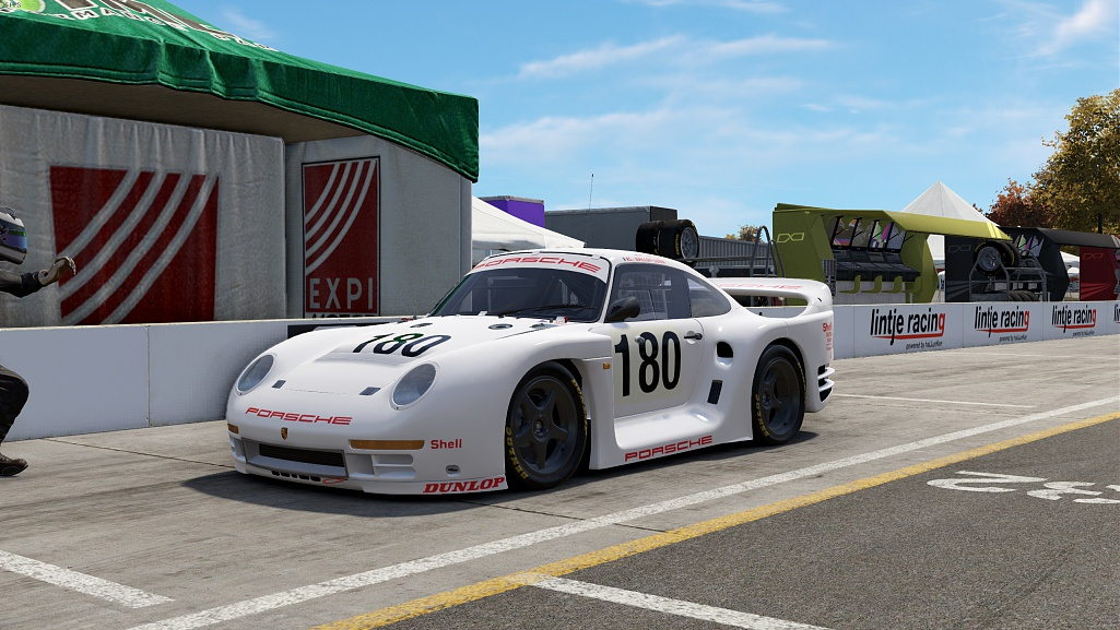 Click image for larger version.  Name:Project CARS 2 Screenshot 2018.10.21 - 14.12.33.42.jpg Views:4 Size:136.7 KB ID:261586
