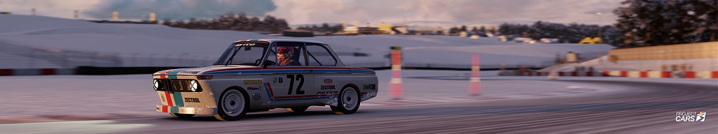 Click image for larger version.  Name:0 PC3 BMW 2002 at DONINGTON GP in SNOW copy.jpg Views:0 Size:57.5 KB ID:283588