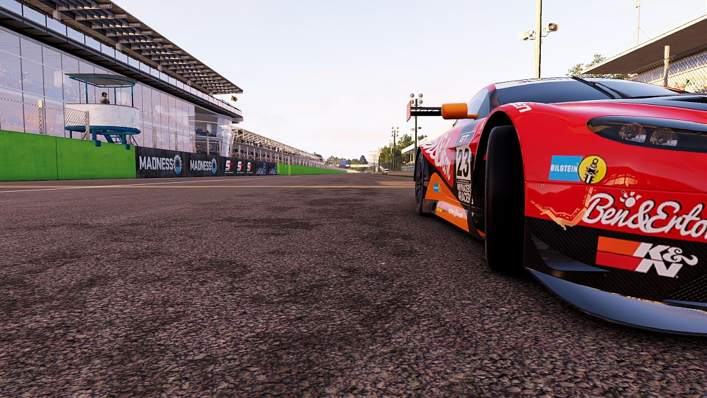 Click image for larger version.  Name:pCARS2 2019-12-12 04-16-21-46.jpg Views:0 Size:247.4 KB ID:275651