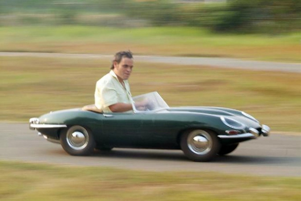 Click image for larger version.  Name:Tiny E-Type.jpg Views:0 Size:122.2 KB ID:283215