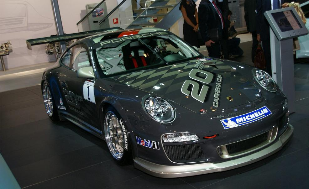 Click image for larger version.  Name:2010-porsche-911-gt3-cup-photo-298680-s-986x603.jpg Views:268 Size:83.5 KB ID:230737