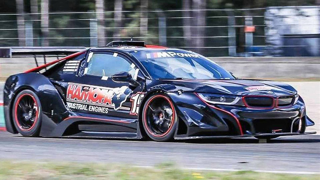 Click image for larger version.  Name:bmw-i8-race-car.jpg Views:0 Size:213.0 KB ID:274814