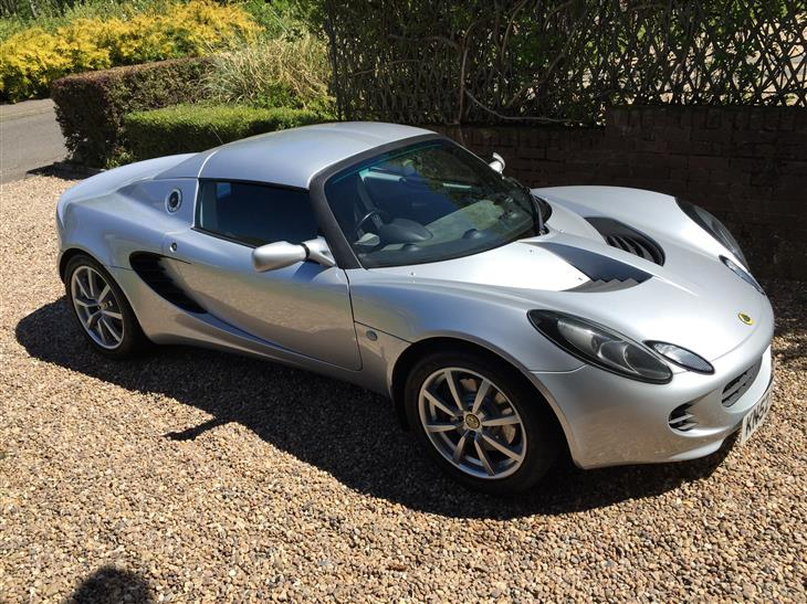 Click image for larger version.  Name:lotus-elise-s2-111-S1985699-1.jpg Views:77 Size:109.3 KB ID:218694