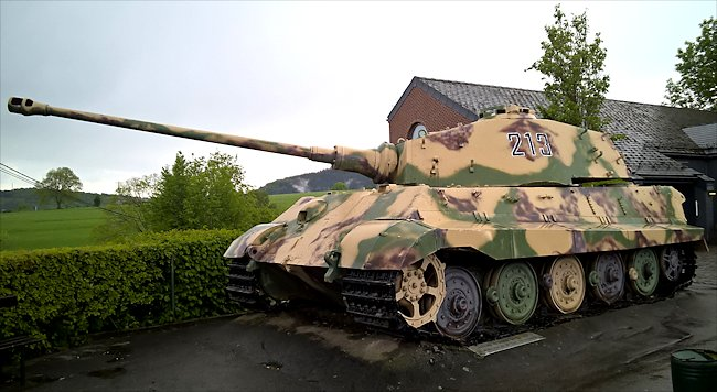 Click image for larger version.  Name:La-Gleize-Stoumont-king-tiger-tank-II-front.jpg Views:59 Size:60.1 KB ID:239081